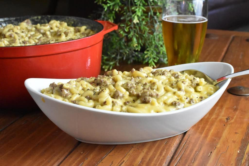 Casseroles for a Crowd Beefy Mac and Cheese Horizontal