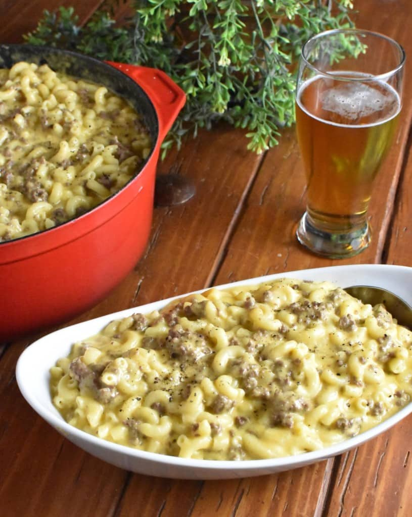 Casseroles for a Crowd Beefy Mac and Cheese Vertical