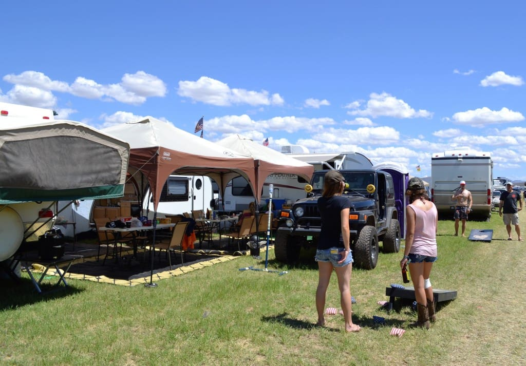 Country Thunder Set Up for Casseroles for a Crowd