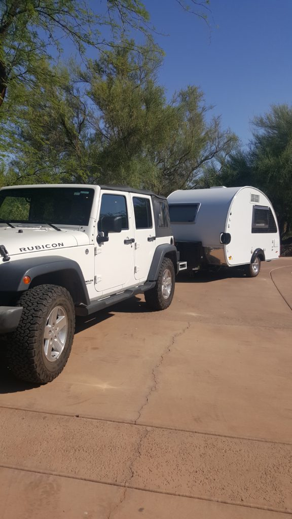 Jeep with Camper (1)