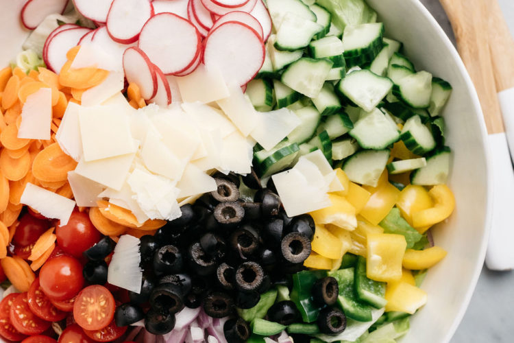 tossed green salad ingredients all in one bowl
