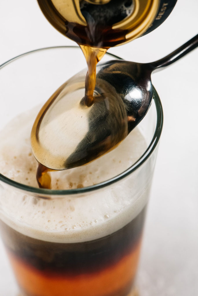 How to make a black and tan pouring into glass