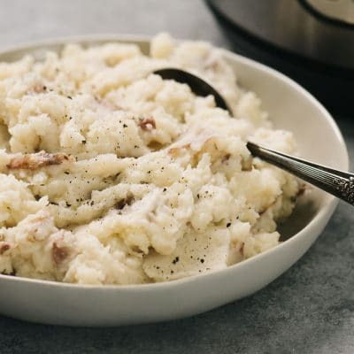 Instant-Pot-Mashed-Red-Potatoes-in-bowl